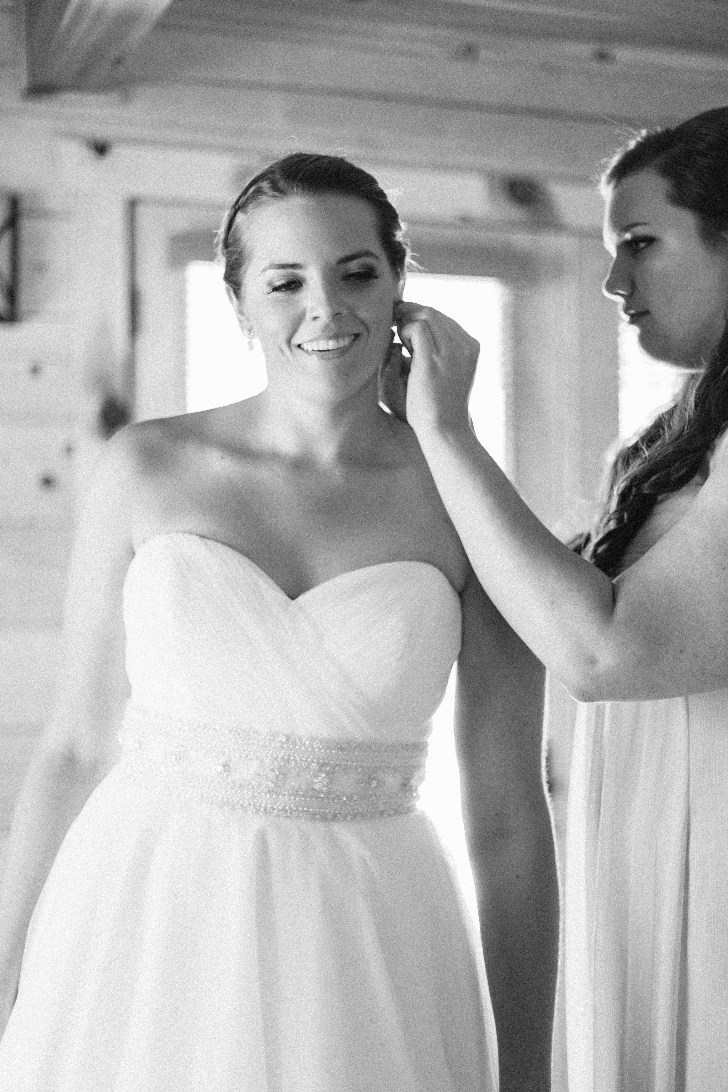 BrideGettingReady(29of35)